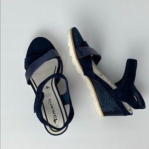 4$25 Tamaris Leather 37 Wedge Sandals Navy Blue